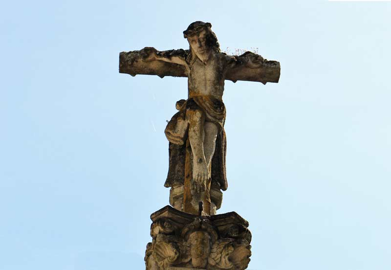 'Cruceiros' (carved stone crosses)