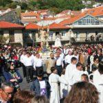 Gente en procesión
